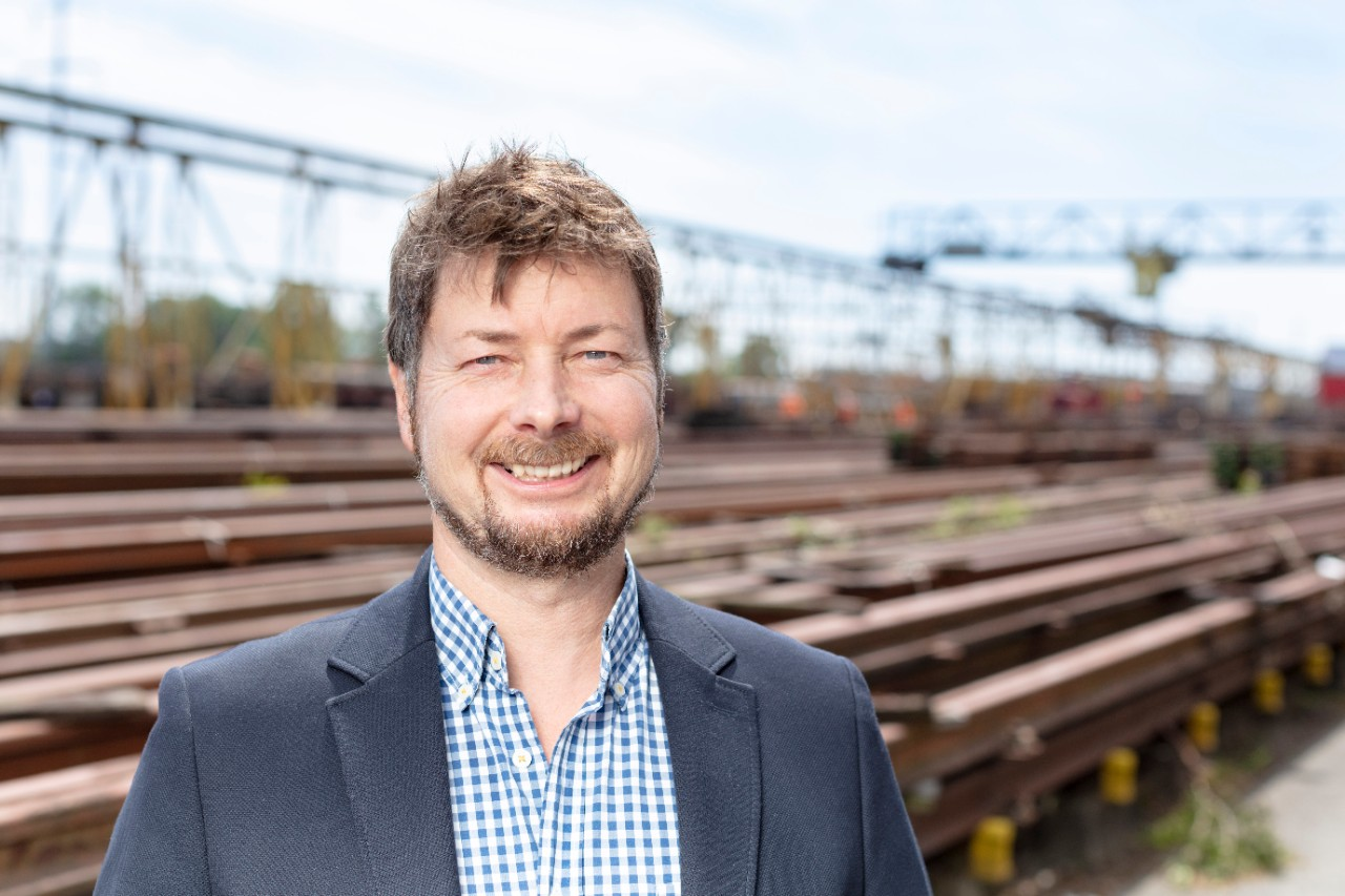 Roman Fischer is head of rail technology and logistics sales at SBB Infrastructure.